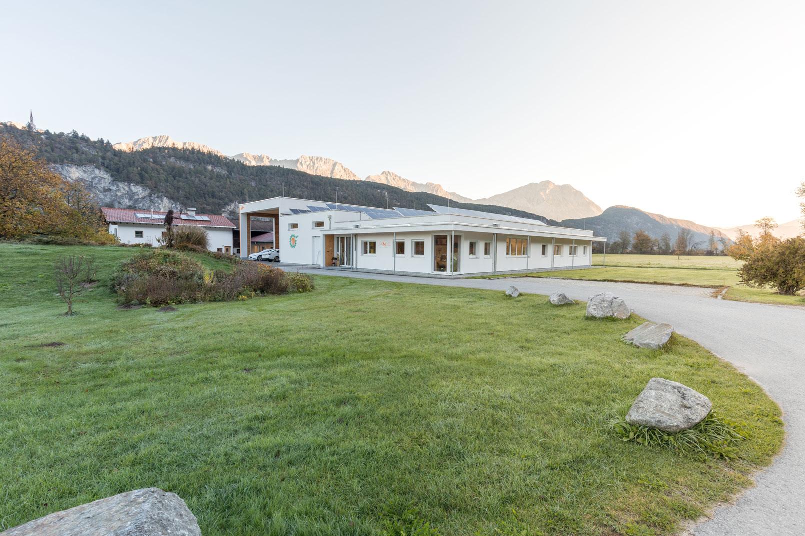 Sanoll Biokosmetik Firmengebäude und Produktionsstätte in Stams, Tirol